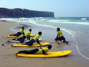 surfing-in-the-algarve-portugal-14335